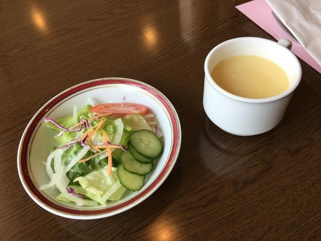 スープとサラダ