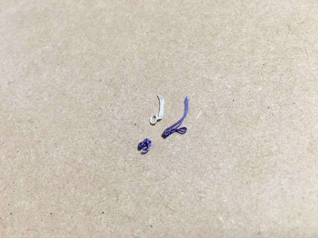 手術痕の糸