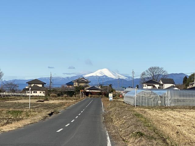 真白な浅間山