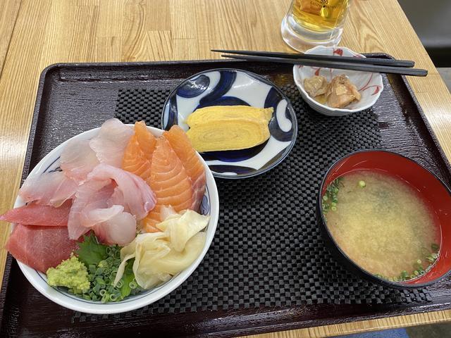 本日の海鮮サービス丼