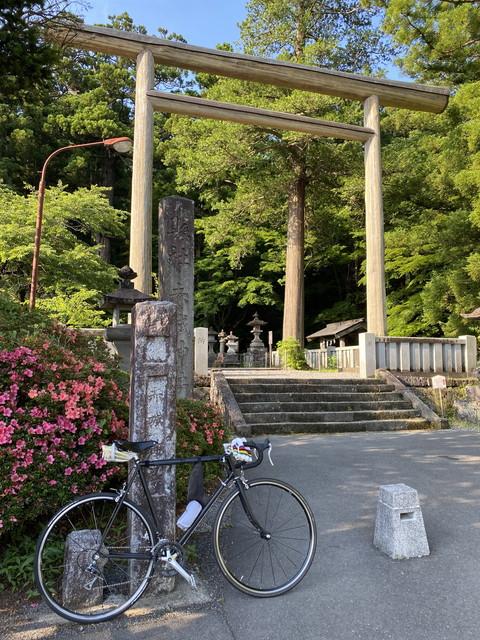 赤城神社に自転車で