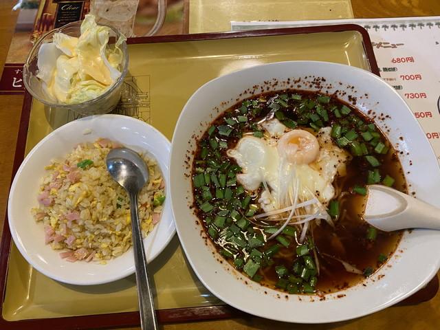 ミニ五目チャーハンと辣醤麺ランチセット