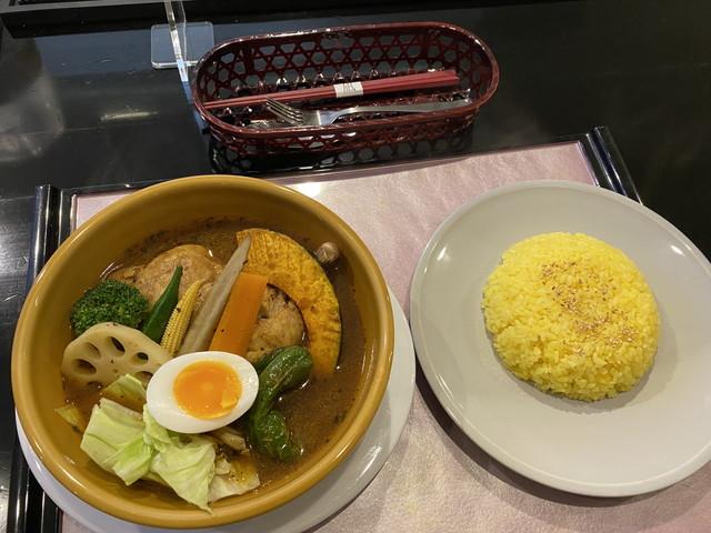 黄スープのチキンカレー