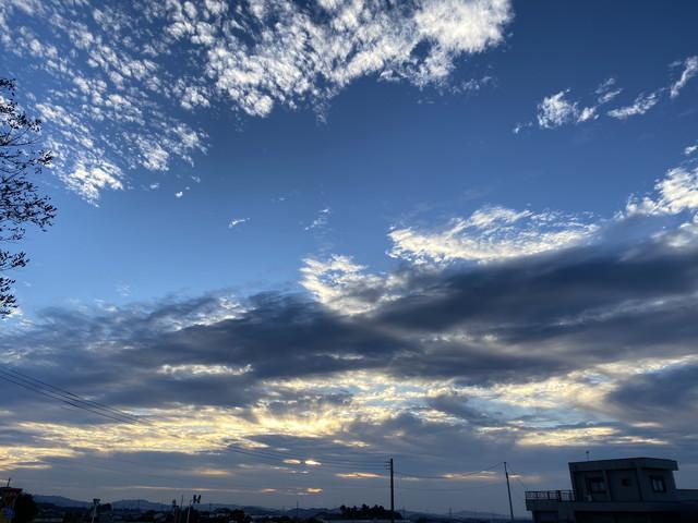 朝日を浴びた雲
