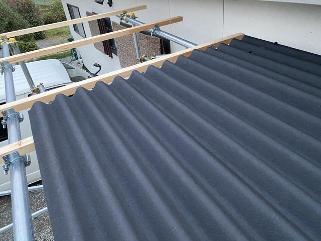 屋根材取付け開始