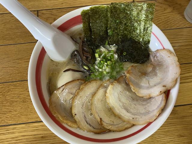 豚骨チャーシュー麺