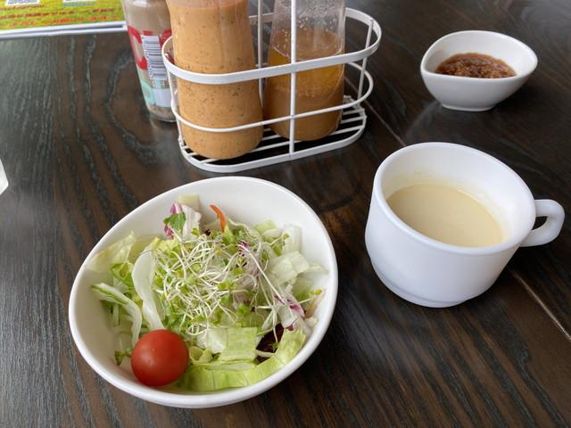 サラダと冷製ポタージュ